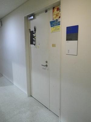 扉のなかに