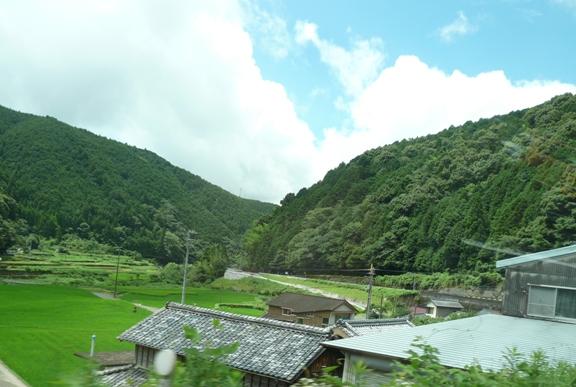 岩本寺を出て、車で10分位のところ どこでも散歩し放題って感じ