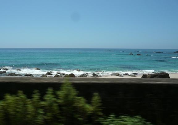 岩本寺から車で30分位のところ 海の色が違うっ!きれーっ♪
