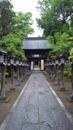 参道と楼門