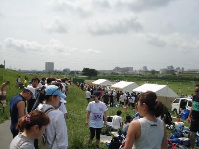 多摩川土手の風景