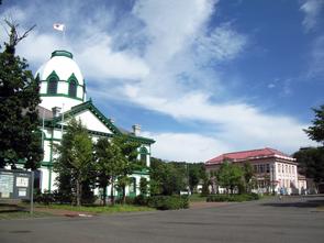 旧開拓使札幌本庁舎と旧浦河支庁庁舎