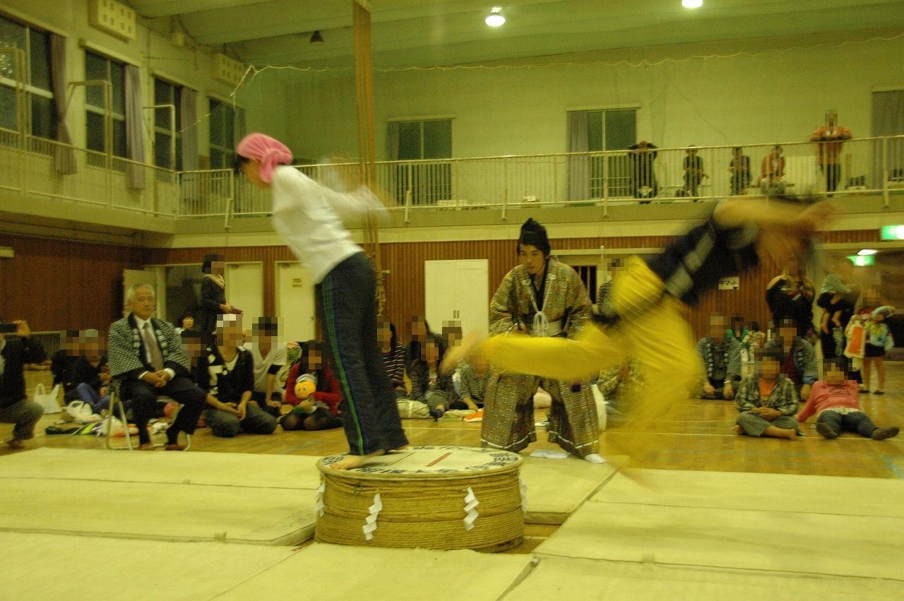 尻つみ祭り(尻相撲一般参加者)