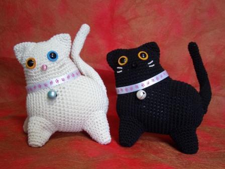 あみぐるみ 白猫&黒猫 (スモモちゃん&サスケちゃん)