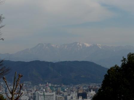 松山総合公園 眺望・石鎚山