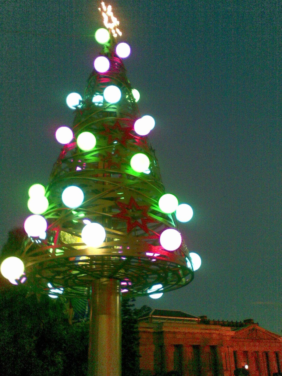 クリスマスツリー イルミネーション シドニー