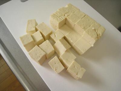 ⑥豆腐サイコロ状に切る