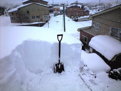 2012.2.4屋根積雪①