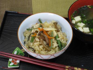 山菜の炊き込みご飯