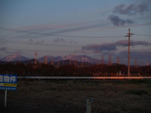 日の出の反対側