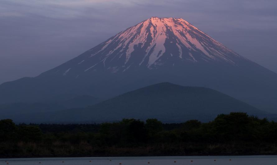 精進湖に焼ける-(102)