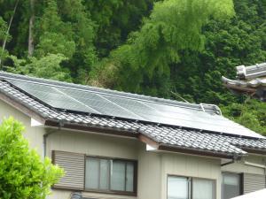 高浜町での太陽光発電パネル