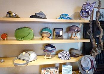 革と帽子展_6