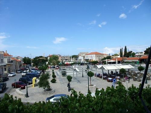 アレオポリの広場
