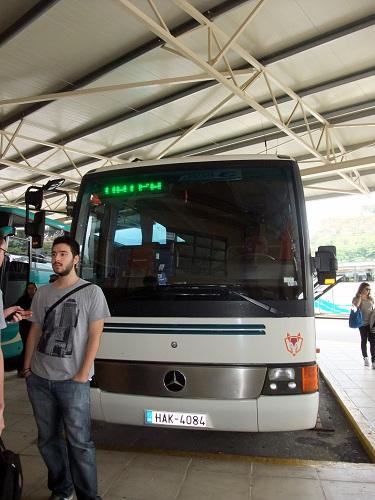 オリンピア行きバス