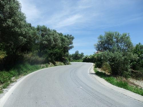 キミ・タウンから海岸への道