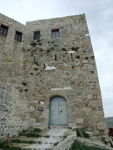 スキロス・タウン_丘の上の修道院