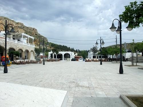スキロス・タウンの広場