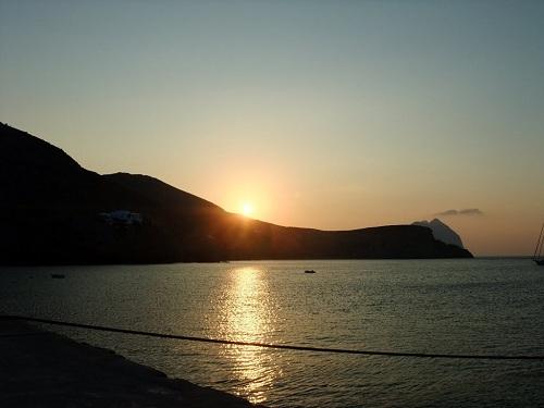 アナフィ島の朝