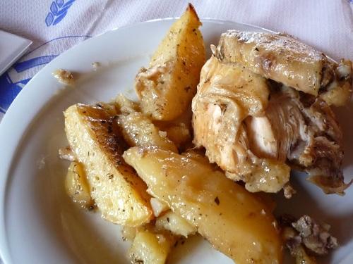 イカリア_テルマで昼食 (2)