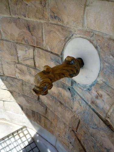 フルニ島の水汲み場 (1)
