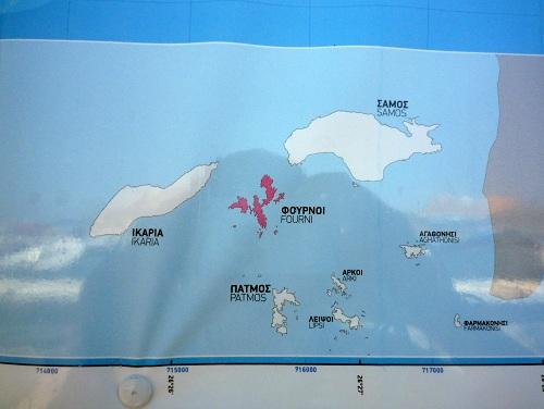 複雑な海岸線のフルニ島 (1)