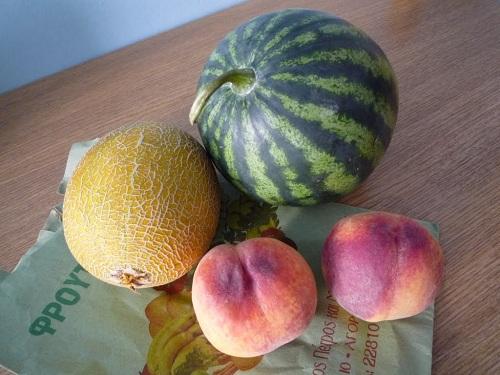 シロスで買った果物