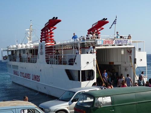 ドヌサ_リトル・キクラデスを周る船 (2)