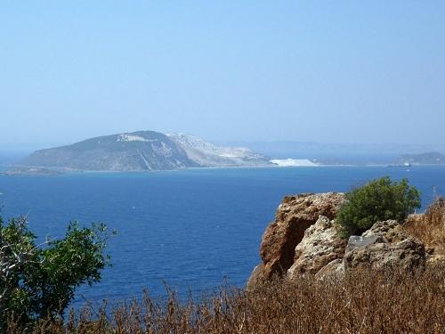 ニシロス_カストロからの眺め・ヤリ島