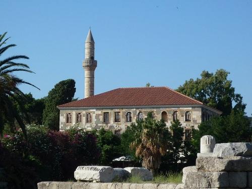 コス_ガジ・ハサン・モスク