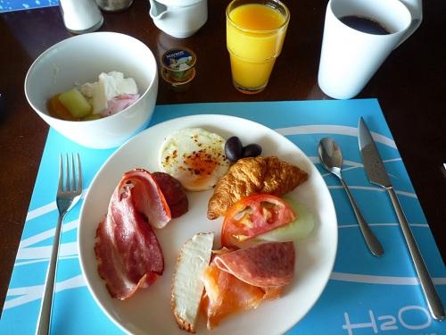 コス_ホテルの朝食 (1)