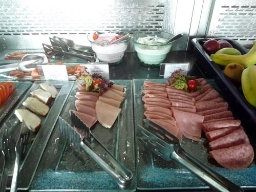 コス_ホテルの朝食 (2)