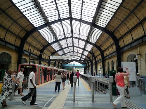 ピレウス駅