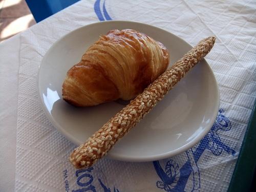 シミ_ホテルの朝食 (1)