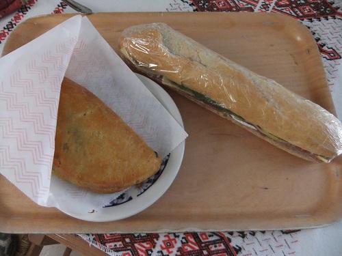 ティロス_朝兼昼食