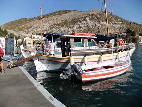 カステロリゾ_青の洞窟&ロ島へのクルーズ船