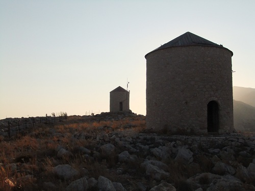 ハルキ_丘の上の風車跡 (2)