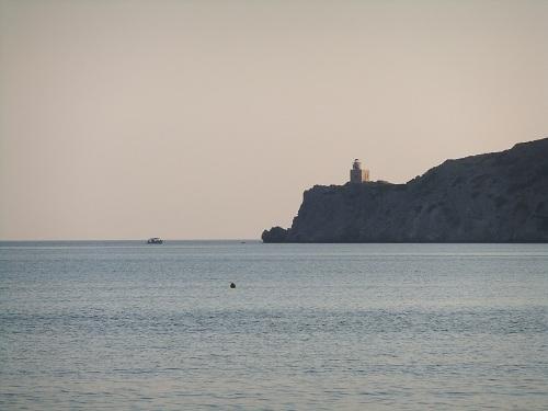 イオス_イァロスから見る灯台