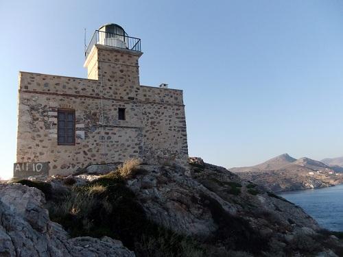 イオス_岬の灯台 (1)
