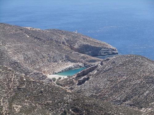 フォレガンドロス_アノ・メリアから見たリヴァダキ・ビーチ