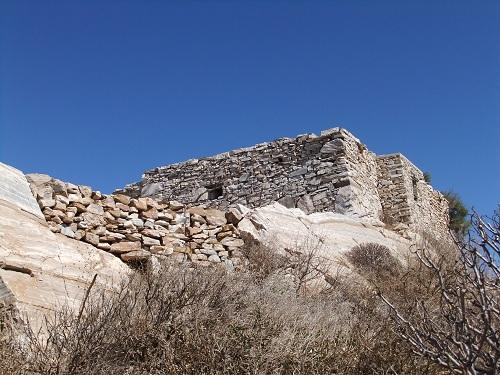 フォレガンドロス_アノ・メリアの石造りの建物 (2)
