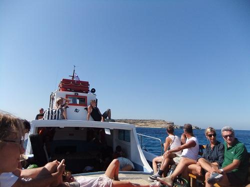 カト・クフォニシへのボート (2)