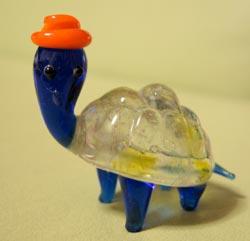 母校カラーの亀