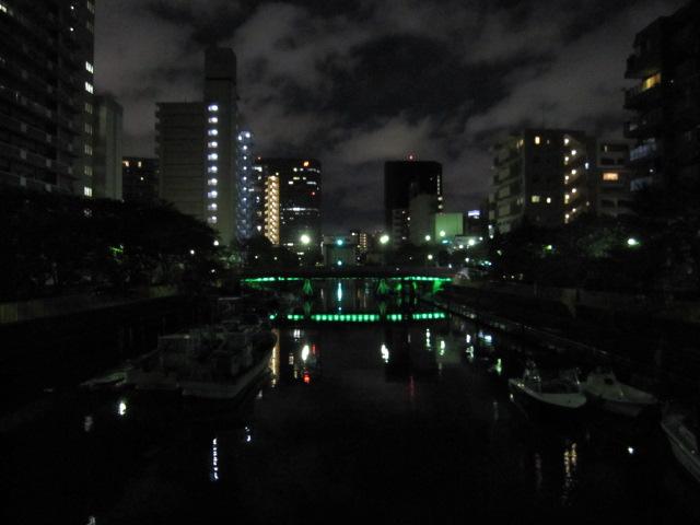 夜の月島川