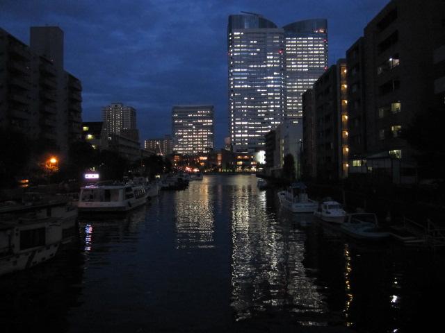 日没後の月島川