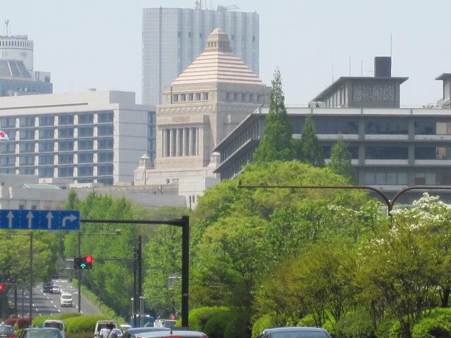 国会議事堂のチラ見