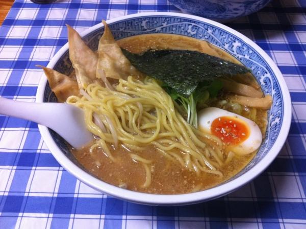 惣や 大曲店 揚げ納豆ラーメン 麺