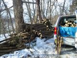 火葬場産の薪とジムニー