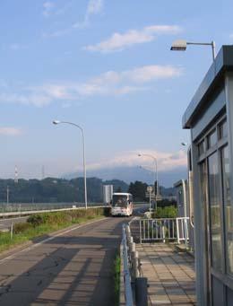 H220529 高速バス