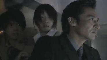 仮面ライダーカブト1話.flv_001131916
